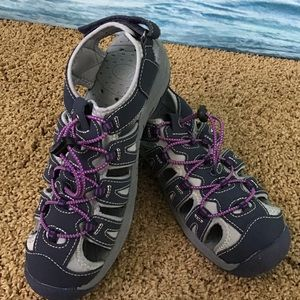 Bass Water/Hiking Sandals Size 8